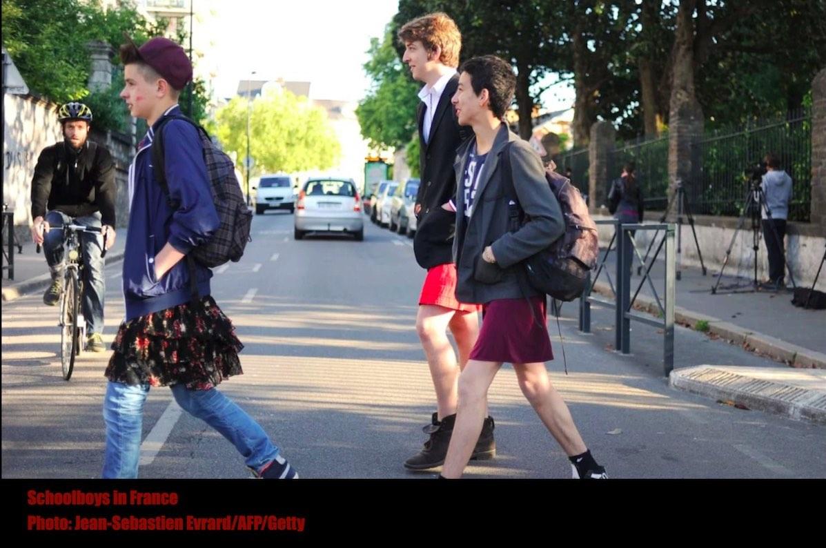 ученики французской школы в юбках
